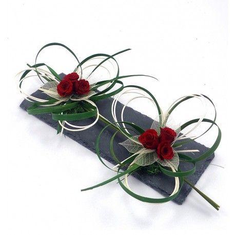 Centre de table objet décoratif tendance ardoise fleurs naturelles stabilisées, objet de décoration florale cadeau original et unique roses stabilisées rouges