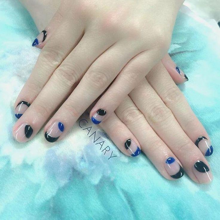 毎日蒸し暑くなってきました… クリアベースでデザインもさっぱりとした感じに♪  #ジェルネイル #gelmanicure #gelnails #naildesign #blue #black #cool #香港ネイルサロン #nailsalonhk #centralhongkong #simplenails