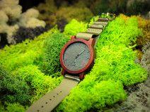 Padouk ! Drewniany zegarek z kamienną tarczą.