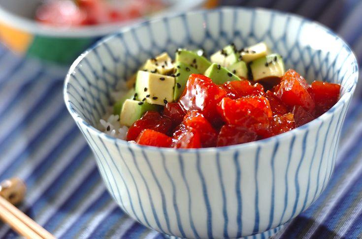 コチュジャンが入った甘辛いタレに漬けて。翌日に食べてもおいしい!マグロの漬け丼[エスニック料理/米料理]2009.08.24公開のレシピです。