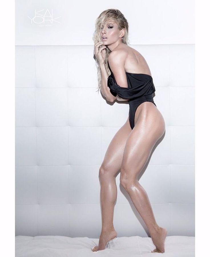 Big ass and tits latinas