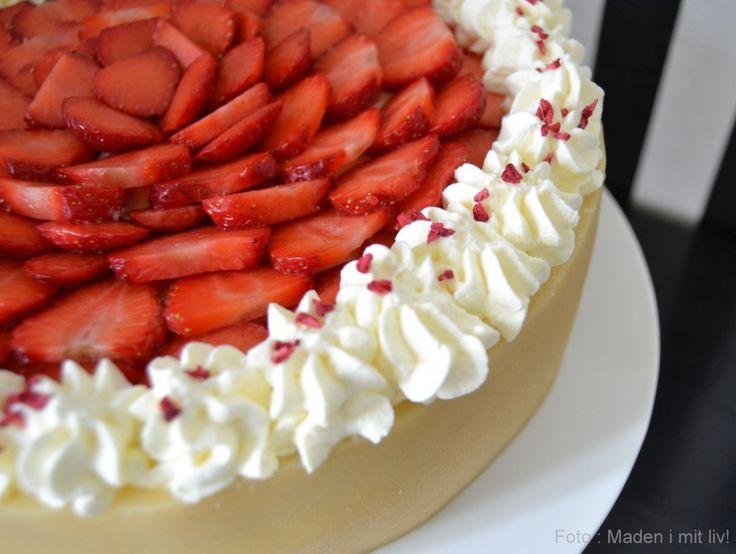sommerlagkage med jordbær