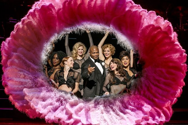 http://triangleartsandentertainment.org/wp-content/uploads/2017/05/ChicagoPHOTO1-DPAC2017.jpg - Eddie George Will Star as Slick Defense Attorney Billy Flynn Chicago May 12-14 at DPAC - Eddie George, shown here with the Ladies Ensemble, stars as Billy Flynn (photo by Jeremy Daniel) Football great Eddie George will star as ultra-slick and completely unscrupulous criminal defense attorney Billy Flynn in the razzle-dazzling U.S. Tour of Chicago that will put the roar back in the.