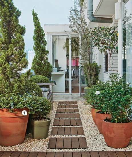 container gardening + wood pavers