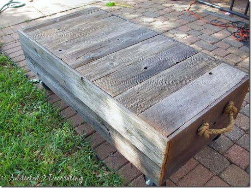 DIY with wooden pallets - coffee table on caster