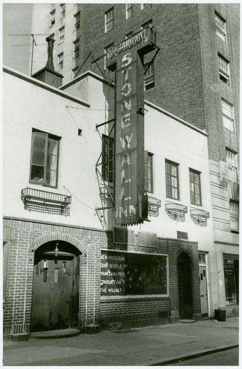 Diana Davies photographs, 1965-1978 / Greenwich Village, New York City, 1969 September