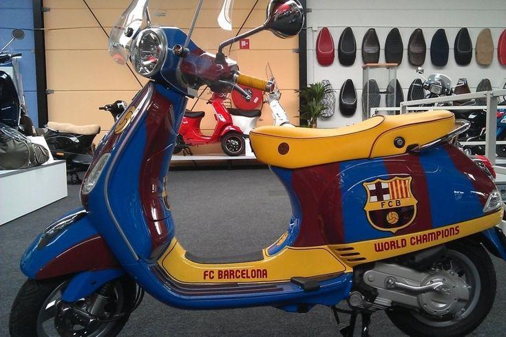 Una vespa con los colores del Barça #fcbarcelona #vespa #cule