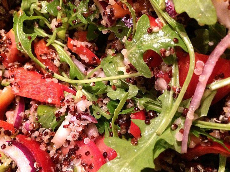 Vegan - Inka-Salat - würziger Quinoa-Salat mit Avocado und Rucola (Rezept mit Bild) | Chefkoch.de
