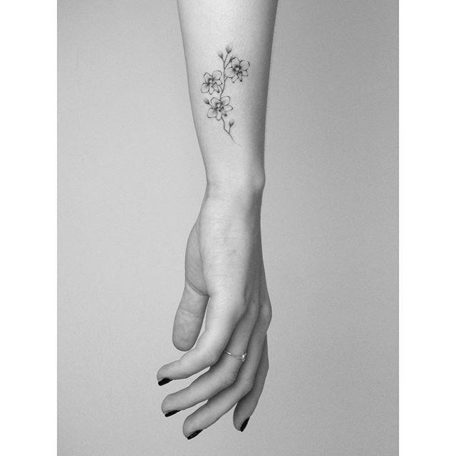 orchid for sam handpoked at @cocoschwarz #handpoke #tattoo #sticknpoke…
