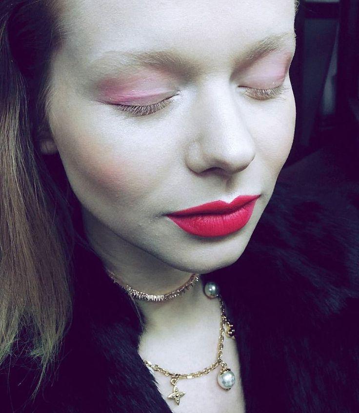 Koki9 Anna Linhartova Pink lips