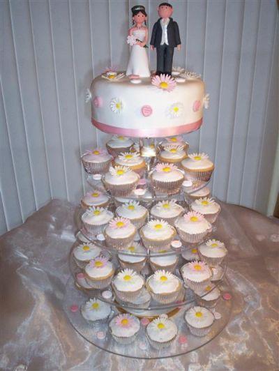 In traditia populara nunta este cel mai important eveniment din viata oamenilor. O data cu legamantul mirilor, se intemeiaza familia crestina. Printre cele mai asteptate momente de la petrecerea de