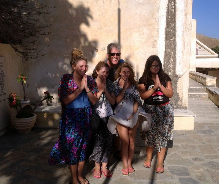 Road trip 'Beaches of the South: Road to Preveli': a guide and the girls of the group conclude the trip on 'happy BD to Mr. President' note