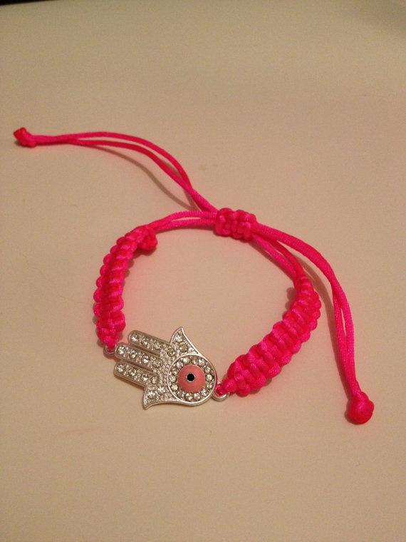 Handmade macrame bracelet with Hamsa Hand by HappyDonkey on Etsy, €8.00
