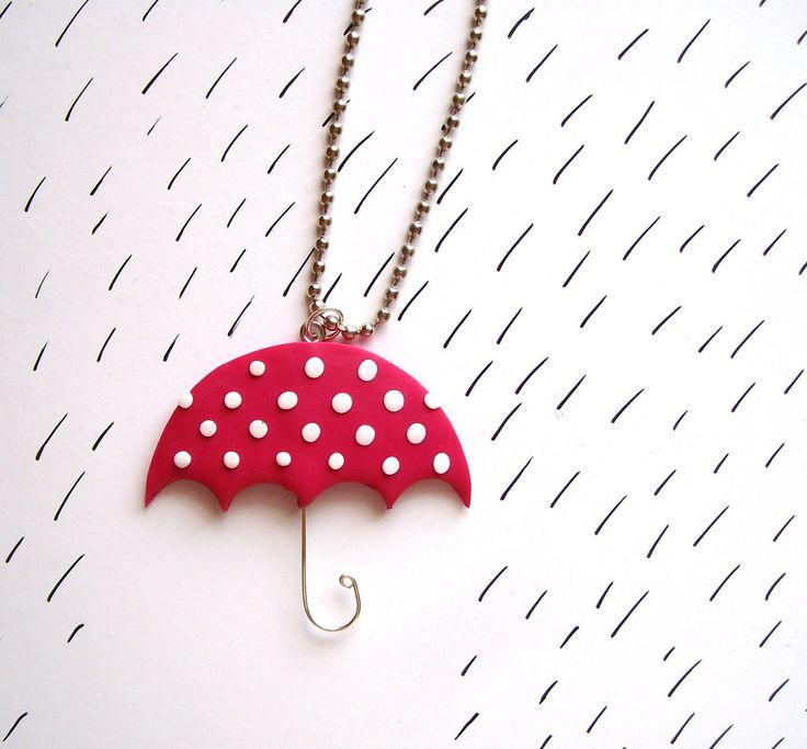 Růžový+deštník+Růžový+deštník+s+bílými+puntíky+vyrobený+z+Fima+zavěšený+na+kuličkovém+řetízku.