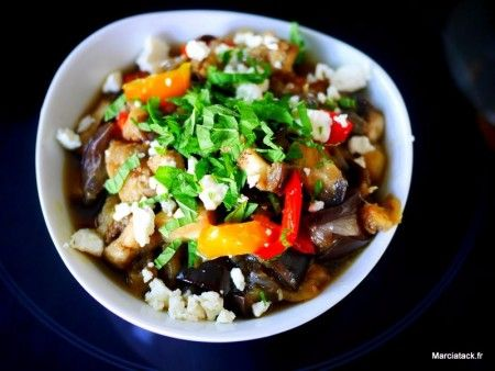 Salade aubergines, poivrons, feta - Recette Facile - Marciatack