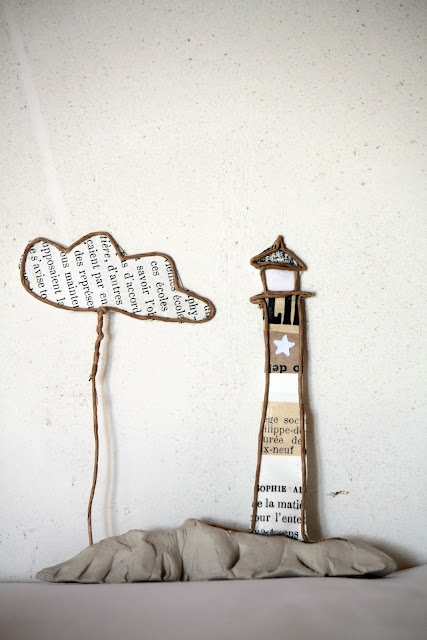 paper / papier :  by the sea - the lighthouse