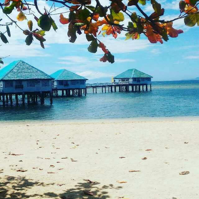 Stilts Beach Resort . Calatagan , Batangas  #beach #summer #prenup #floatingcottages #floatingbunggalows #maldives #philippines