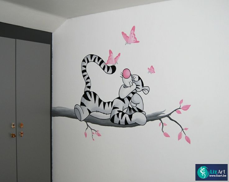 Muurschildering Tijgertje op een tak met roze vlinders