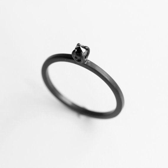 Diamant thorn. black diamond geoxideerde sterling door jewelryMirta