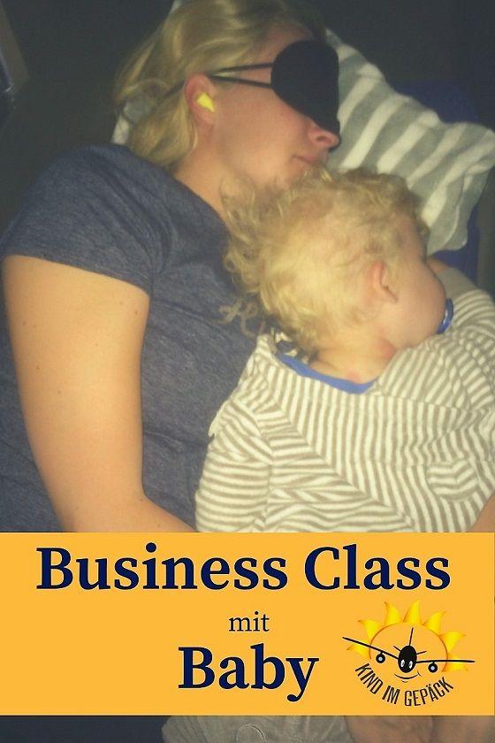 Business Class mit Baby? Warum nicht! Die Business Class bietet super viele Vorteile. Mehr Platz zum schlafen, stillen, spielen und kuscheln, Priority Check-In, Lounge-Zugang, höhere Freigepäckmenge und eine ruhige Atmosphäre.