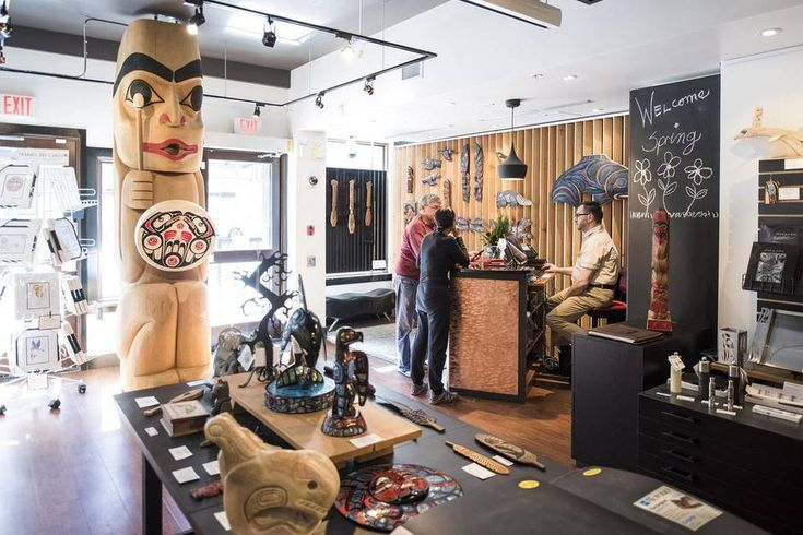 Rub shoulders with aboriginal artists at this unique Vancouver hotel - The Globe and Mail