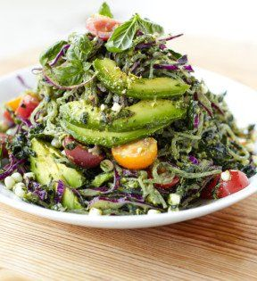 Switch up your standard salad with kelp noodles and our avocado-pistachio pesto recipe to enjoy a nutty, refreshing flavor on your daily greens. #glutenfree #salads #vegan