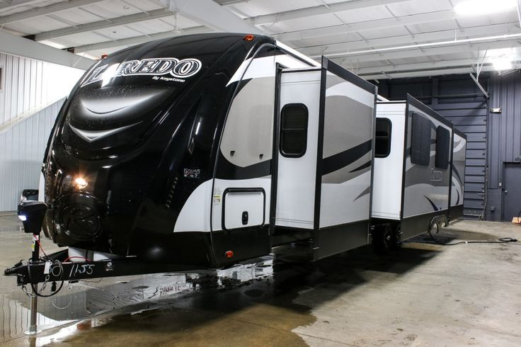 Spacious Bunkhouse Trailer 2016 Keystone Laredo 333bh