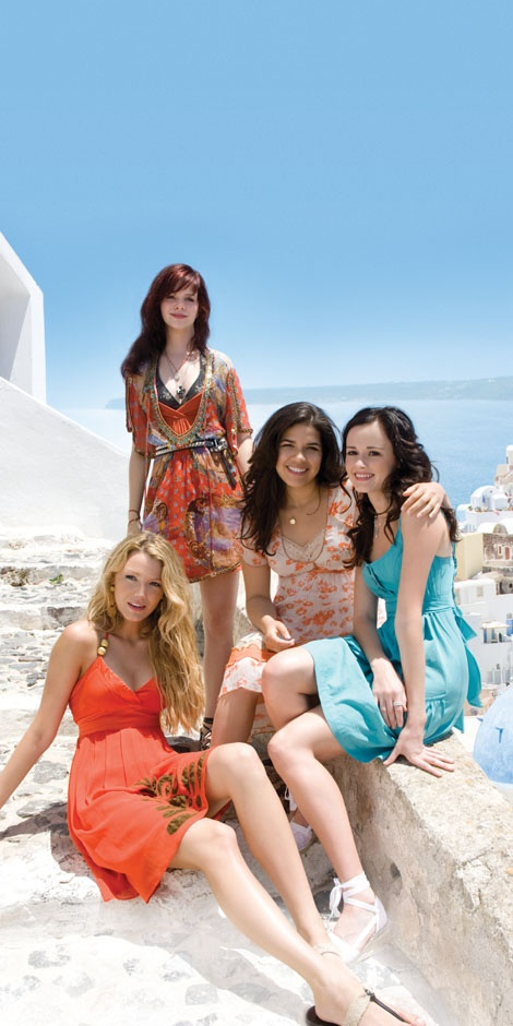 Great film and what a start for all these actresses careers!! The sisterhood of the traveling pants <3