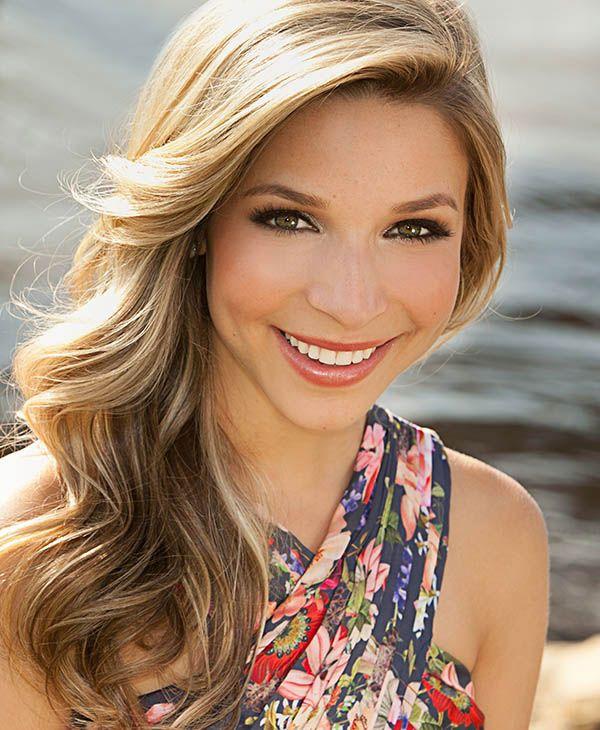 Kira Kazantsev Crowned Miss America 2015 1