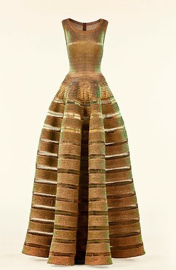 Azzedine Alaia Gold Dress #2dayslook #lily25789 #GoldDress www.2dayslook.com