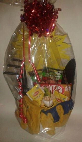 Item number 1196M - Gardeners pail  For more details, please visit our facebook page: www.facebook.com/popitinaboxbusiness