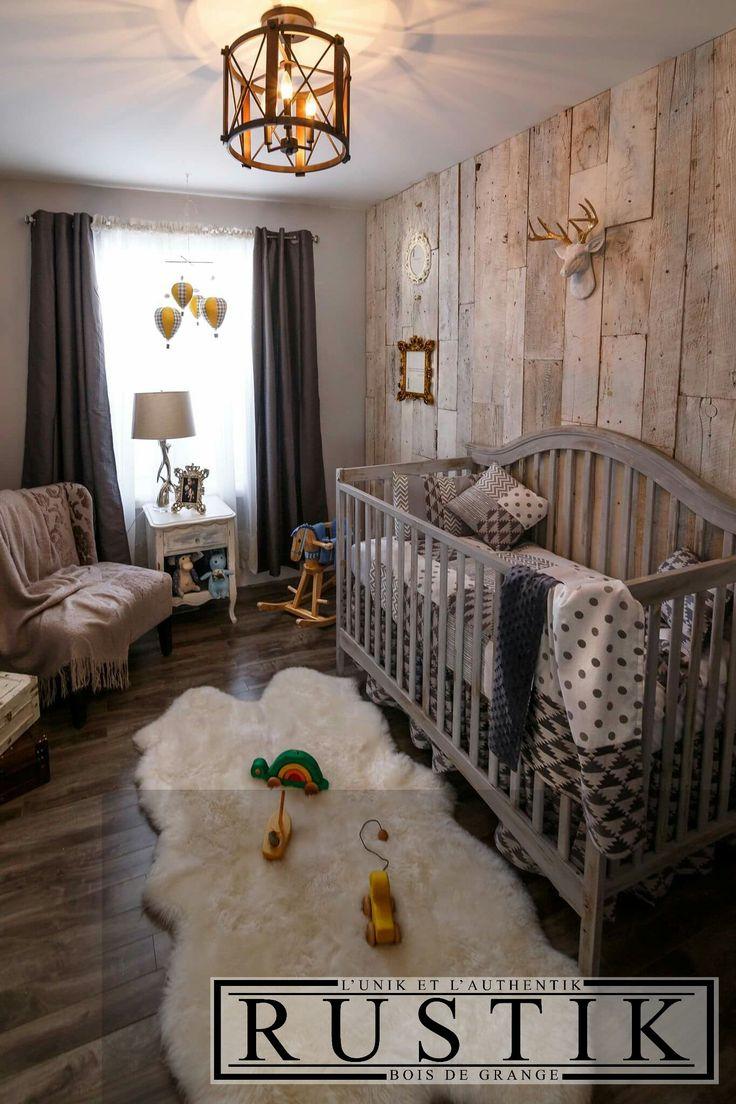 Mur de bois de grange blanchi. Mur à partir de 4.00$/pi carré. www.rustikquebec.ca