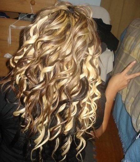 "If I ever just go ""All Out""...these blonde highlights are THA BOMB DIGI-TAYYYY!! Curls are beautiful"