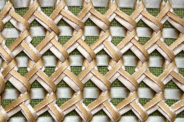 Embroidery Tesma: ribbon stitching
