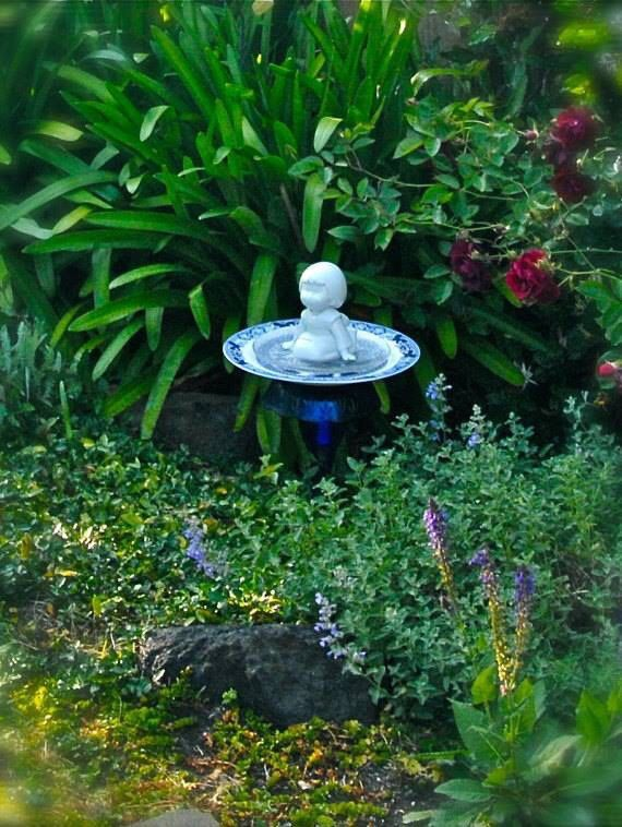 "GARDEN TOTEM BIRDFEEDER, ""Geisha Girl"" Asian Blue on White, Garden Totem, Bird Feeder, Yard Art, Garden Sculpture"