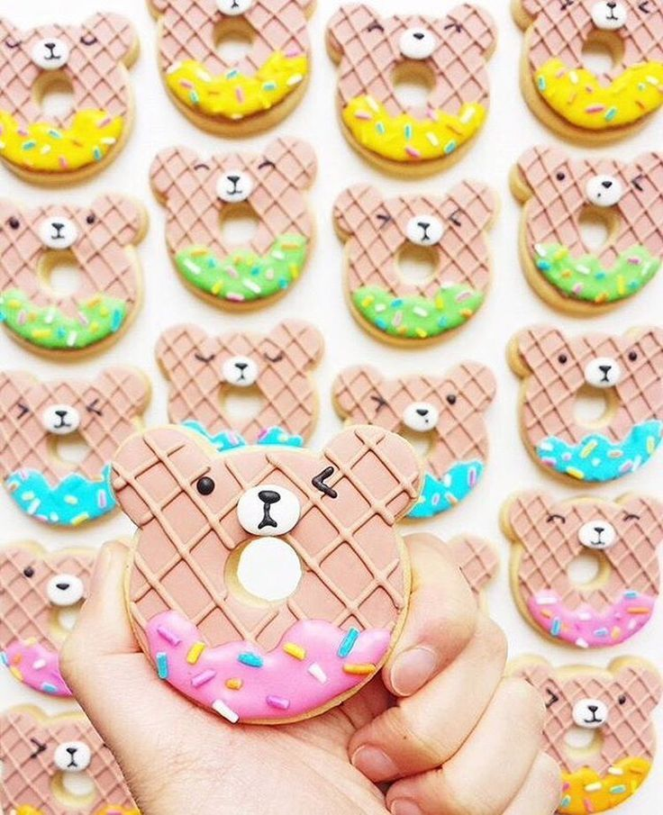 Exclusive @vickiee_yo Bear Donut Cookie Cutter! Vickie has teamed up with CookieCutterKingdom to create cookie cutters of her most popular cookies. This Melbourne baker knows her stuff! Measurements