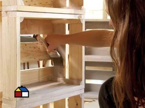¿Cómo hacer un estante con cajones de fruta? - YouTube