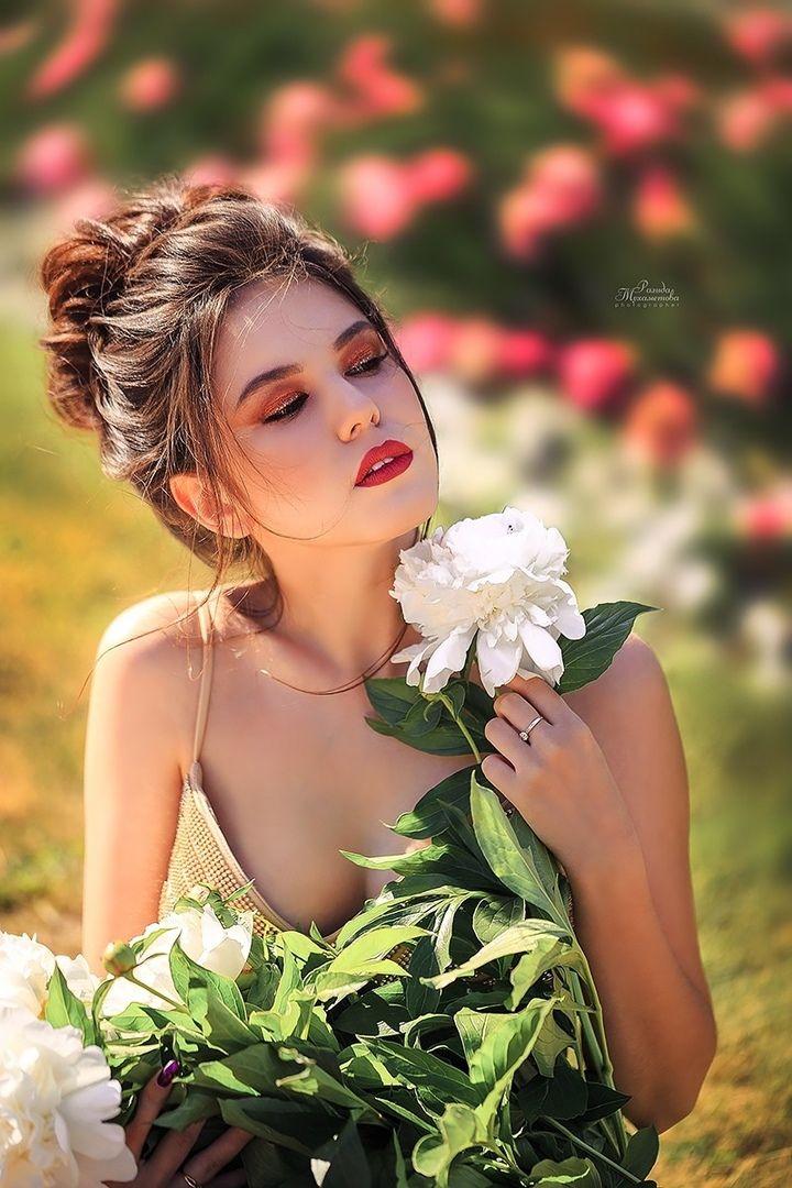 Pin By Cloves On Feᶆɑ Le Brunette Girl Photography Women Lovely Girl Image