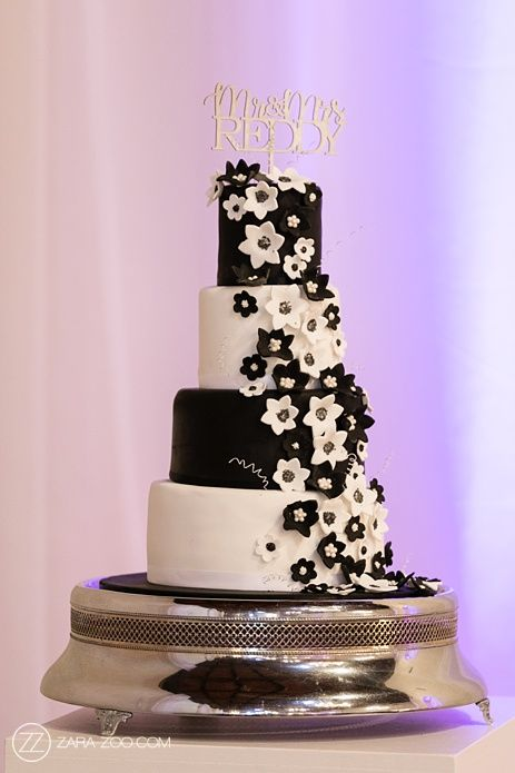 Wedding Cake.  Nooitgedacht Wedding - ZaraZoo Wedding Photography    www.zara-zoo.com    #weddingcake  #wedding  #cakeideas  #cake  #photo  #photography