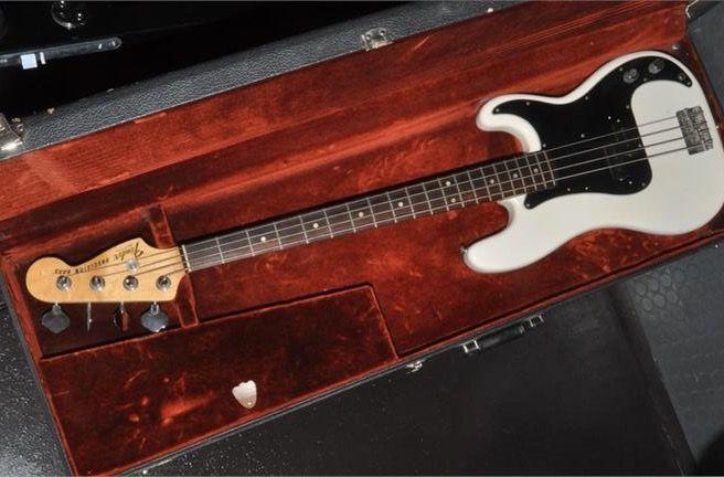Case by Case No 5 Fender Precision 1977 #Fender #precision #bass #vintage