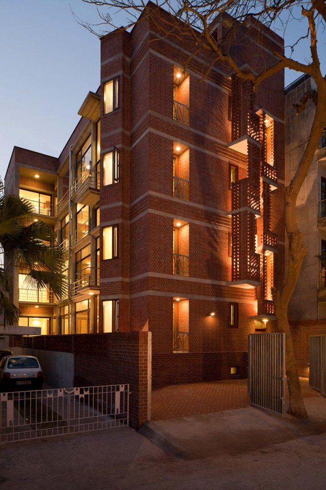 Structure (load bearing walls of brick) Vasant Vihar Residence / Vir.Mueller Architects / India /2010