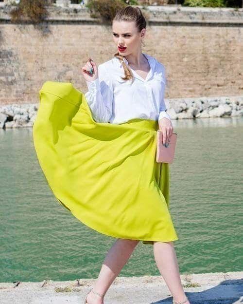 Zjawiskowa spódnica z wysokim stanem w kolorze limonkowym  http://ift.tt/2fIgrO0