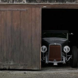 Vintage car in barn: Classic Cars, 32 Garage, Garage Doors, Barns Finding, Rats Rods, Dreams Garage, Old Cars, Hot Rods, Hotrods