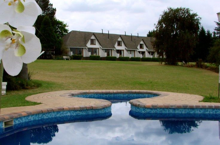Blue Haze Country Lodge is known as 'The Oasis of the Drakensberg' and is situated just off the N3 at the Escourt Giant Castle turn off. They offer great wedding and conference facilities / KZN South Africa