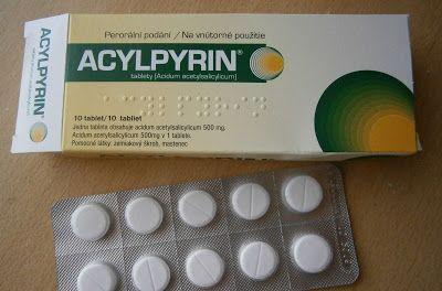 Jarmark Marnosti: Pleťová maska z aspirinu 1) acylpyrin nebo aspirin -aby nedošlo k mýlce, tak vysvětlím, že Acylpyrin=Aspirin...oba obsahují naprosto totéž, jen je acylpyrin levnější..proto používám radši acylpyrin  2) vodu  3) podle libosti dále med/aloe vera gel/ jogurt/  atd.