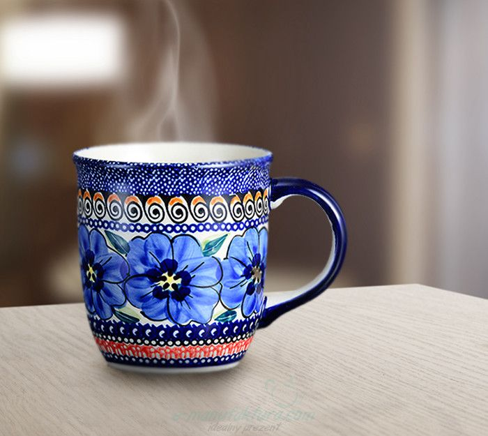 Classic mug. Artistic decoration number 148A. Hand-painted and signed by the artist.