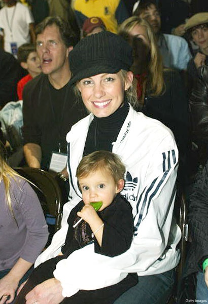 Faith Hill. Absolutely Love this pic with Faith and Audrey!