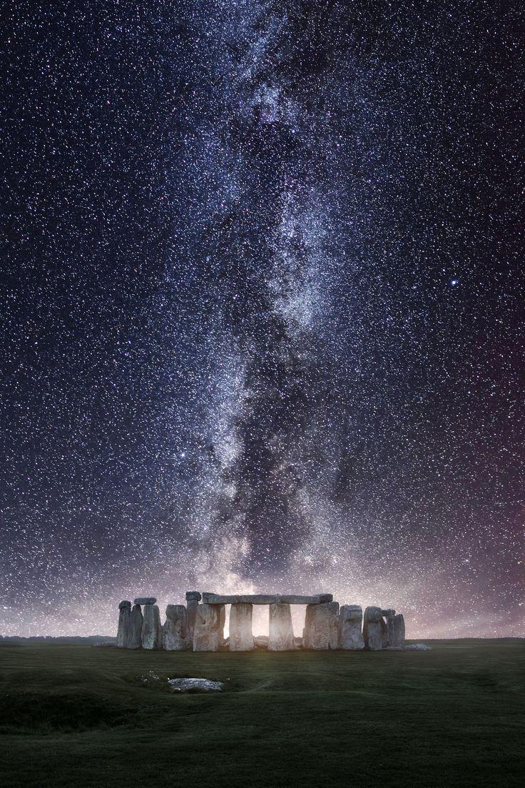 Stonehenge Milky Way - )