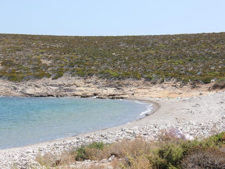 A secluded beach outside the port of Antiparos.