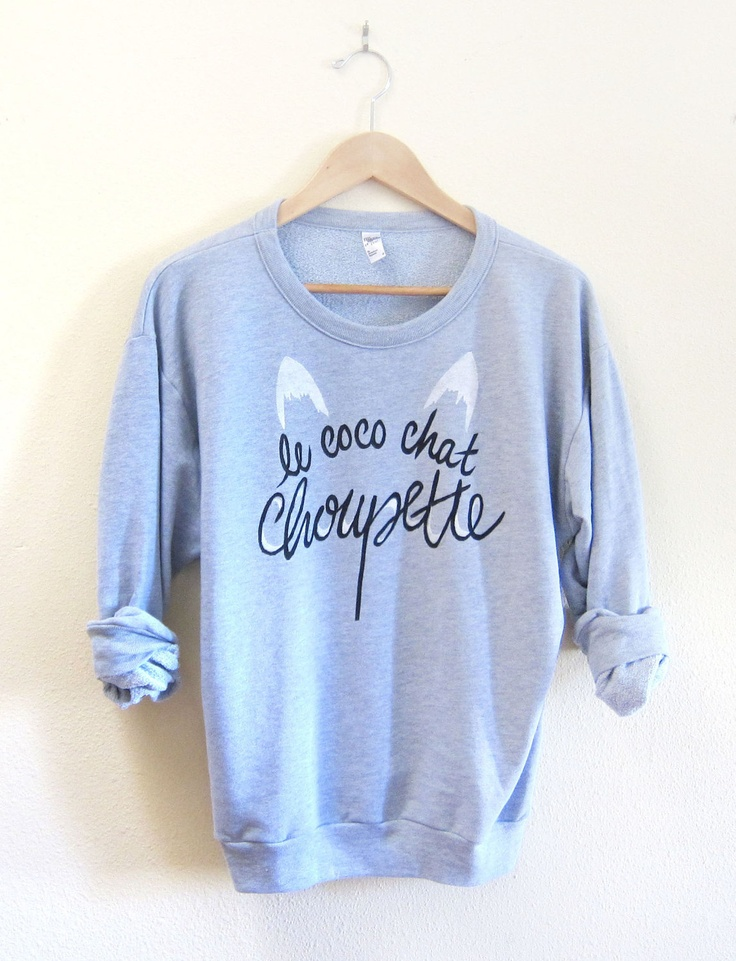 Le Coco Chat Choupette - Drop Shoulder Hand Stenciled Crew Neck Chanel Muse Sweater in Light Grey Heather